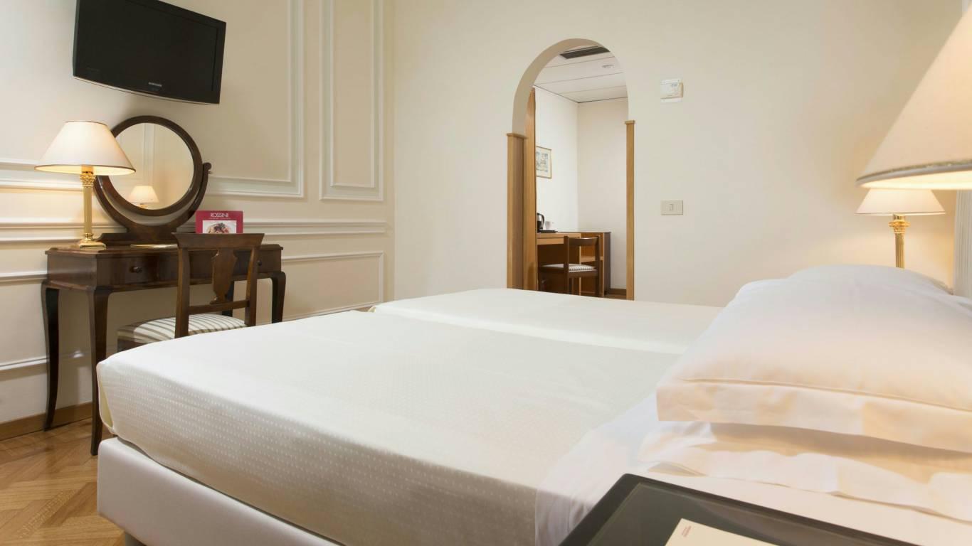 Hotel-Quirinale-Roma-camera-small-12-8