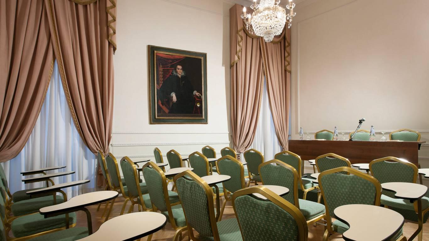 Hotel-Quirinale-Roma-meeting-Sala-Puccini-con-ribaltine