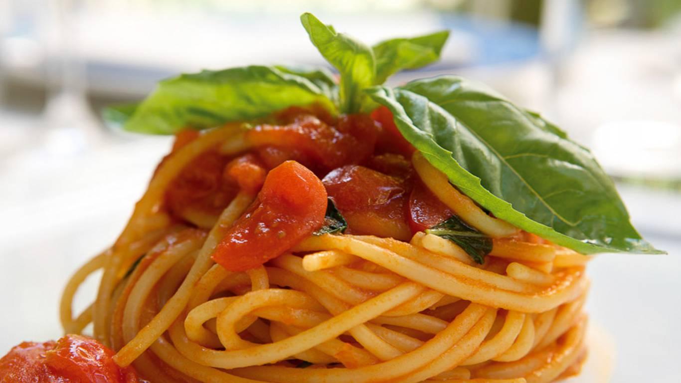 Ristorante-Rossini-Hotel-Quirinale-Rome-tomato-Spaghetto