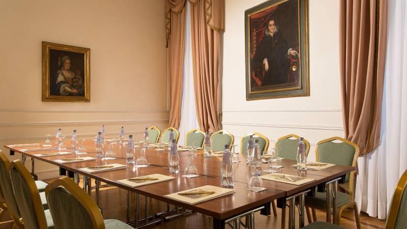 Hotel-Quirinale-Roma-meeting-Sala-Puccini-Tavolo-unico